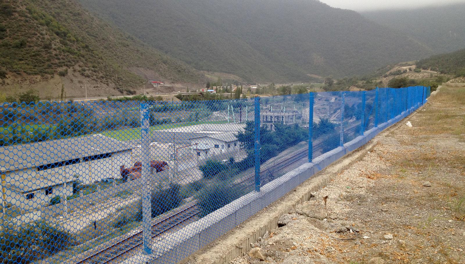 حصارکشی محوطه کارخانه