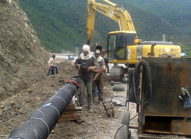 خط لوله انتقال گاز 12 اینچی