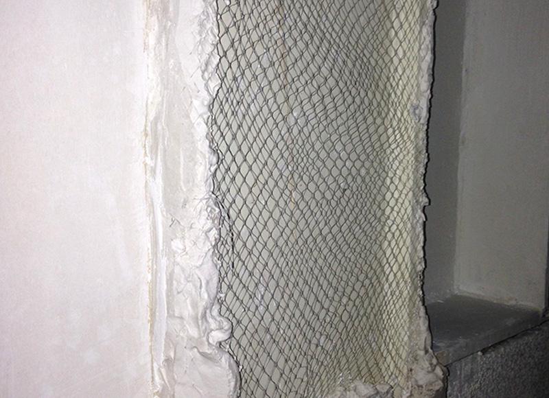 نصب شبکه زیر گچی روی ستون فلزی